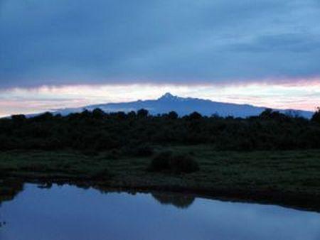 300px-Sunrise_over_Mount_Kenya